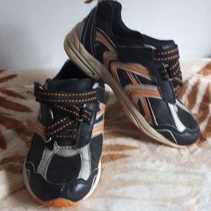 ATHLETIC WORKS Boys Shoes Size 12